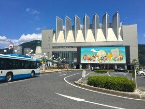 境港駅前のバスターミナル